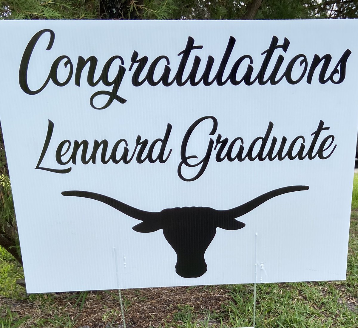 Congratulations 2020!! ❤️ you all!! 🎊🎉🧡🧡🧡🤟🤘🏻🤘🏻👊🏼👊🏼🙌🙌 Lennard High School @LennardHigh