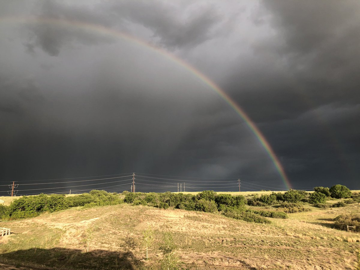 Our first rainbow of the season from Highlands Ranch. #9wx<br>http://pic.twitter.com/UByMkmo8Qw