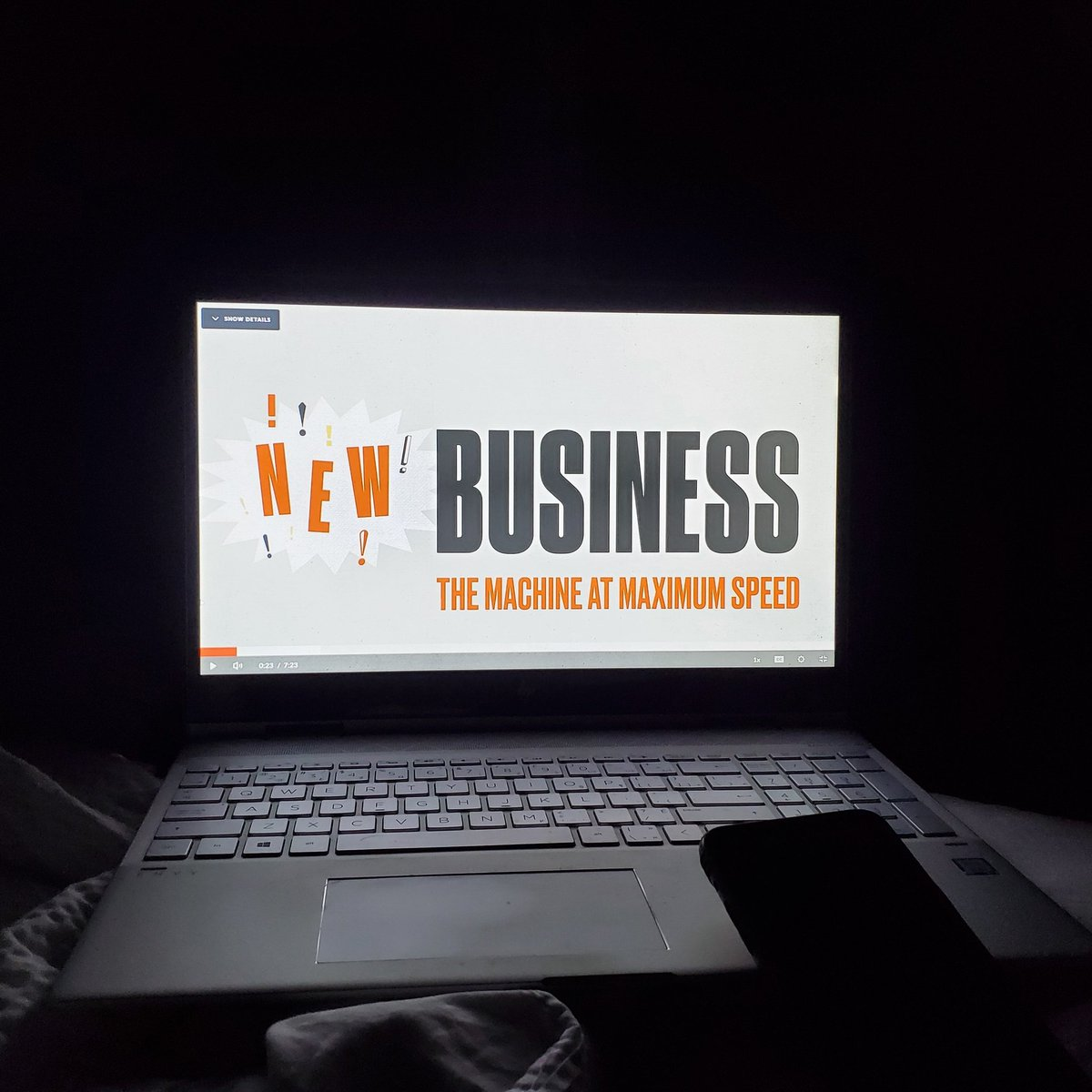 Finally settling down at the hotel after about 25 hours with on the go. Time now for a Master Class on new business from Jeff Goodby & Rich Silverstein. Good night everyone! ✌👍 #businesstrip #nevernotworking #buildingsomethingthatmatters #dezansocialmedia