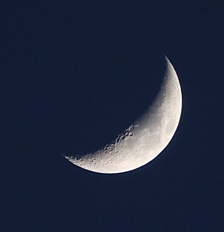 Nice to see the #moon again. #skywatching #Ferndalepic.twitter.com/c9HJSjQ60P
