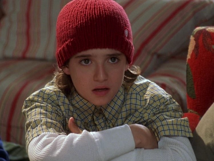 Omg I had the BIGGEST crush on this kid from Cheaper By The Dozen as a kid<br>http://pic.twitter.com/n4152J3oOg