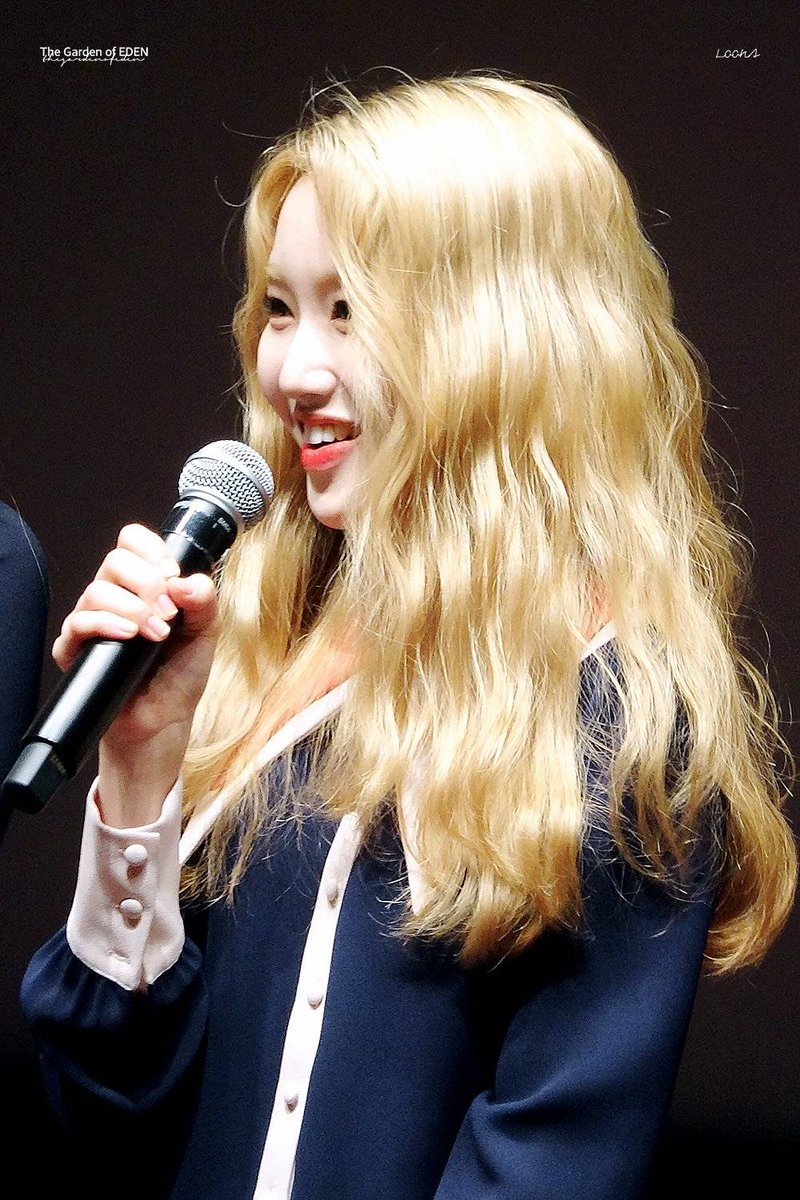 her hair..  #GoWon #고원 #LOONA<br>http://pic.twitter.com/2mIx0JTXYc