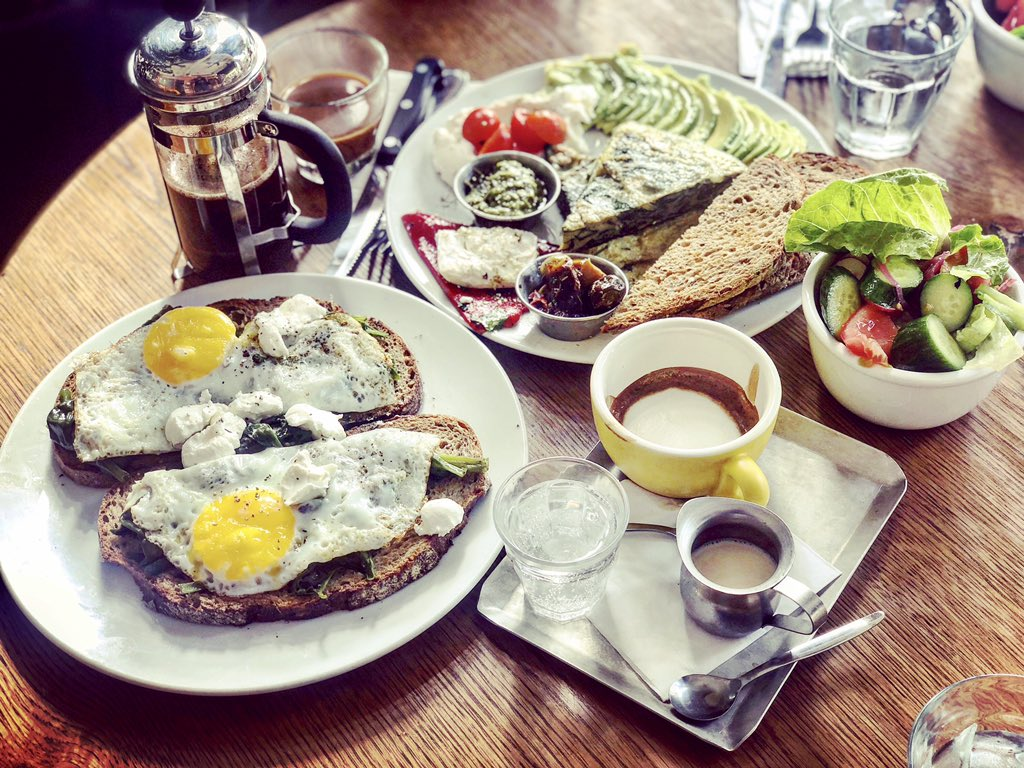 And just like that, all is good with the world again! #Breakfast is served #Israel!   pic.twitter.com/ahX2vlTYP7