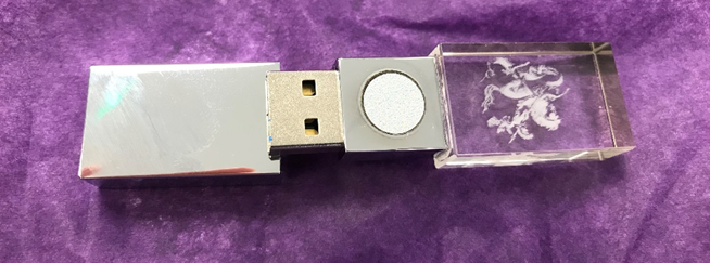 "So @Yekki_1 and I bought and dismantled a £300 5G BioShield, as referenced in report by Glastonbury Town Council. ""quantum holographic catalyzer technology"" or £5 128MB (yes, meg) USB key with a sticker on it? You decide: https://t.co/JNezD8WqNV https://t.co/HzW2np04VZ"