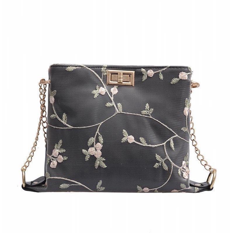 Close up for Lilian Flower bag   Readystock!  Price : RM20   Ws for more details :  http://www. wasap.my/+60179591494/h ai,sinstuffnakorderlilianbag  … <br>http://pic.twitter.com/pwbnPUJsB3