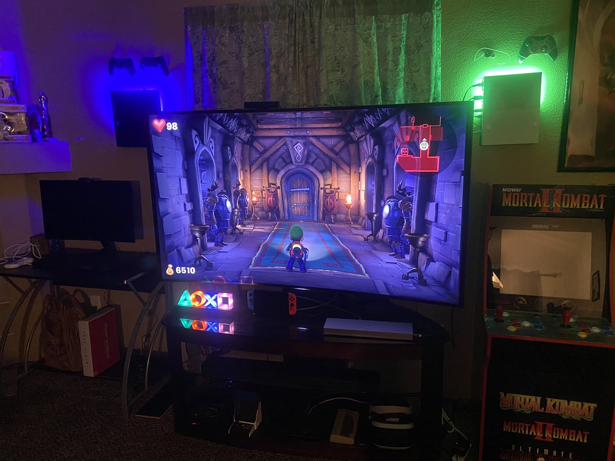 Time to chill out and enjoy a little luigi's mansion 3! What's everyone else playing on this Wednesday night?!? #gameroom #nintendo #nintendoswitch #luigismansion3 #luigismansion #gaming #omarachu #twitch #twitchaffiliate #gameconsole #miniconsole #xboxones #ps4pro #ps4pro500pic.twitter.com/g5swIllguS