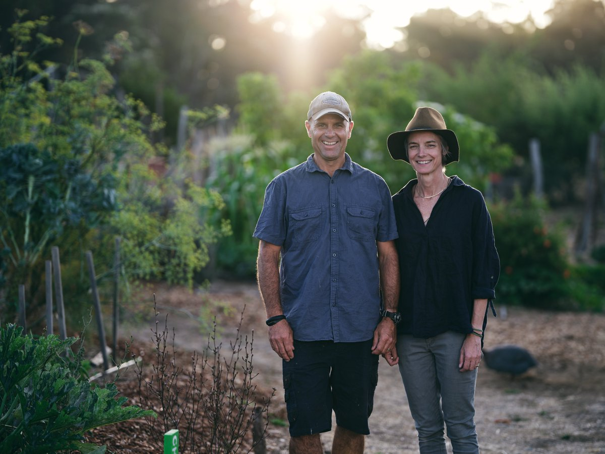 With little farming knowledge but a dream to live off the land and give back, Australian coupleTim and Cree turned 100 acres of land into a sustainable farm and cooking school - all by watching how-to videos on YouTube→ https://yt.be/wNPKpic.twitter.com/Pe6RhfNWlL