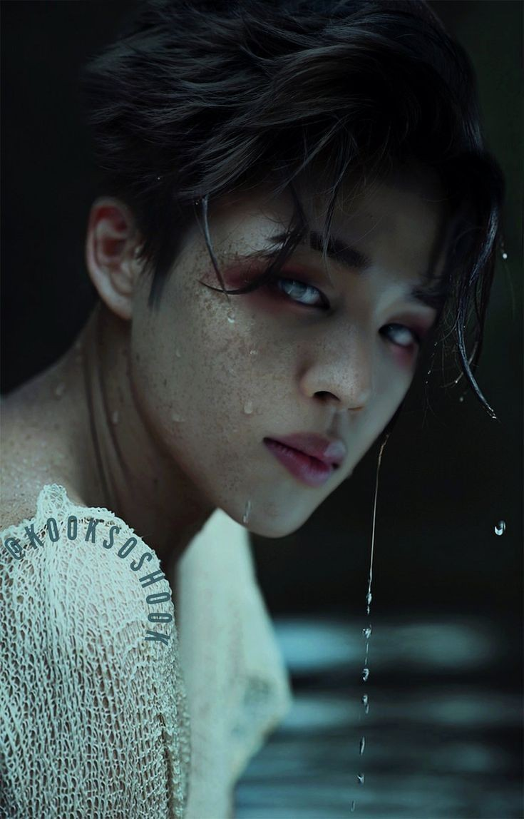 Wow... Jimin is still absolutely handsome even, he's going a zombie #Jimin  #you#fanartpic.twitter.com/0qFr13mXC7