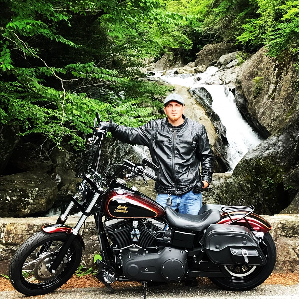 Waiting on the weather for the mountain rides again  #harleydavidson pic.twitter.com/crODViCdYd