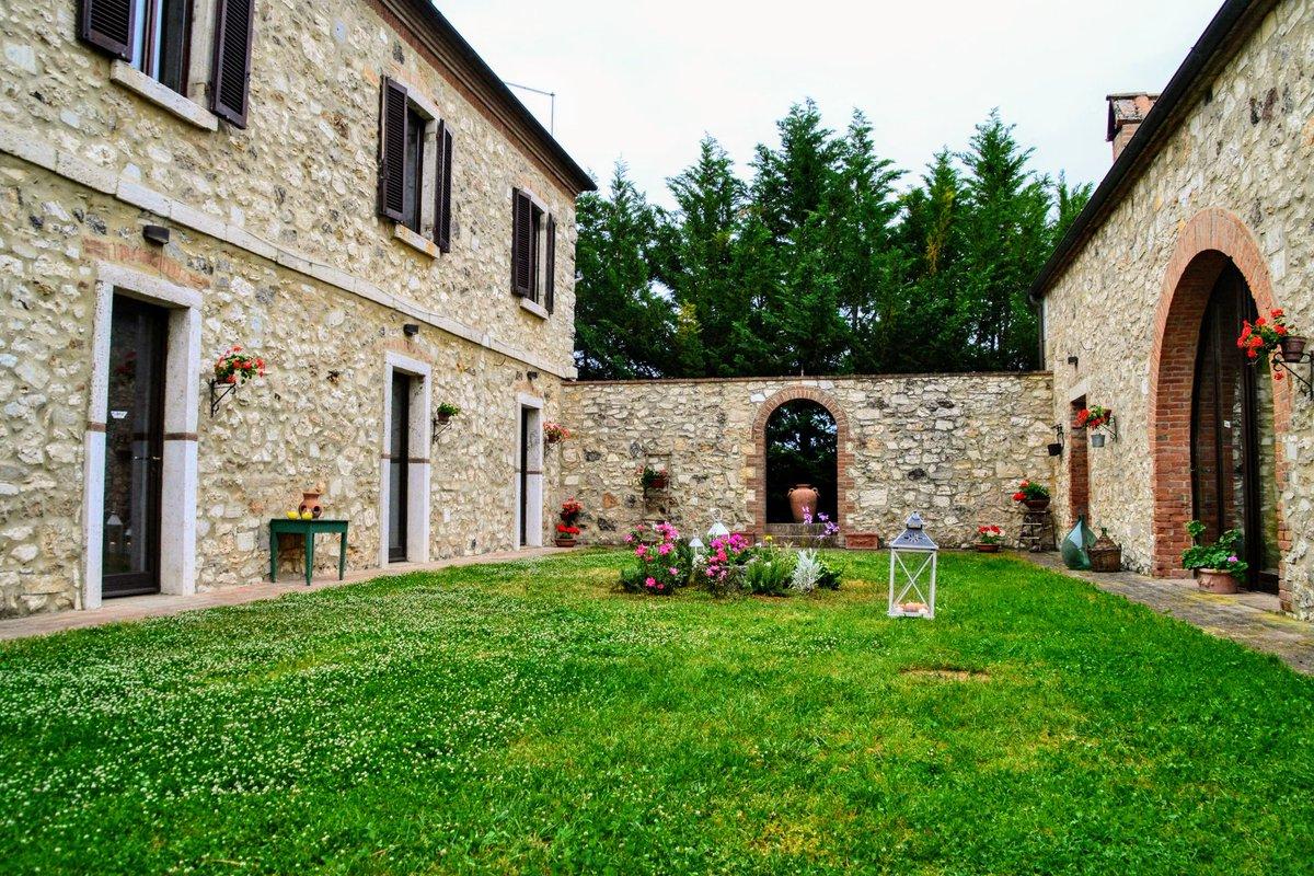 We await to have you as guest! #PodereSantAlessandro  . . . #BorghettoMontalcino #montalcino #loveisborghetto #luxurylifestyle #travelfromhome #bbctravel #lovetheworld #suitcasetravel #travellingaroundtheworld #travelcapture #travelmood #travelstories #gotravel #travelpostpic.twitter.com/sFrZV7aTX3 – at Podere Sant'Alessandro