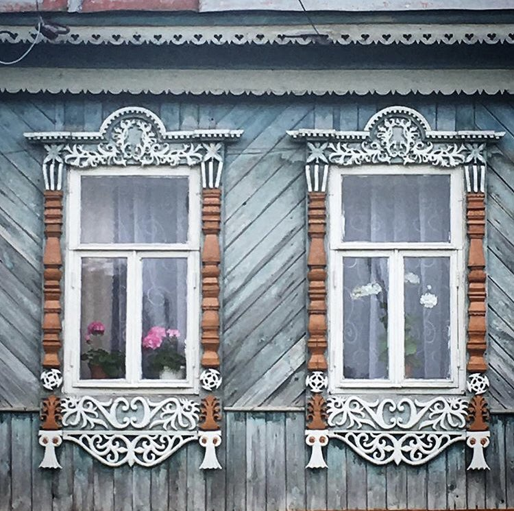 Good morning from Nizhegorodskaya Oblast! The region is home to many little villages that still have many examples of those cute and colorful traditional #Russian houses  #tbt    Natalia Listvinapic.twitter.com/um9TnRUCsu