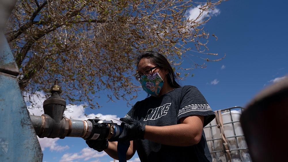 Why has Navajo Nation been hit so hard by the coronavirus? https://t.co/x3REsLUonO https://t.co/HVI091BAQM