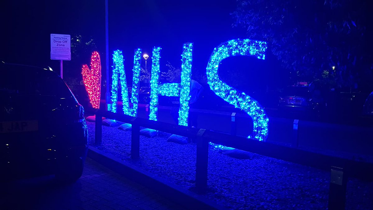 @ChristmasWorcs @WorcsAcuteNHS @WorcsAcuteICU @WorcsCharity @NHSuk Looks fabulous at night!