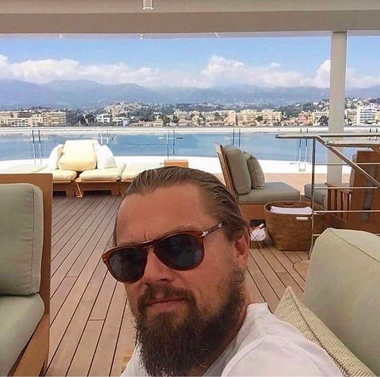 @leonardodicaprio the  of wall street  A week yacht on St Barthélemy in 2015.  @luxurylifefashion #leonardodicaprio #luxurylifestyle #leloupdewallstreet #thewolfofwallstreet #monaco #stbarthelemy#miamiboatlifepic.twitter.com/wCSLhqoivM