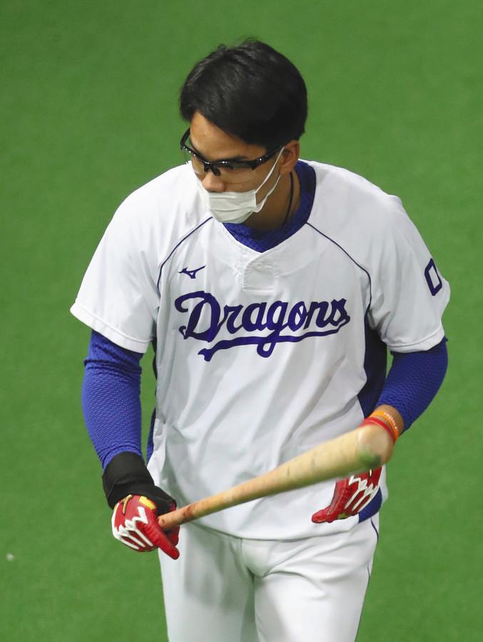 中日きっての韋駄天・高松渡が1軍合流 期待に応えケース打撃で右に左に3安打 「慌てすぎた」走塁には不満(中日スポーツ)- Yahoo!ニュース 中日の高松渡内野手(20)が28日、ナゴヤドームで行われた1軍練習に合流した。