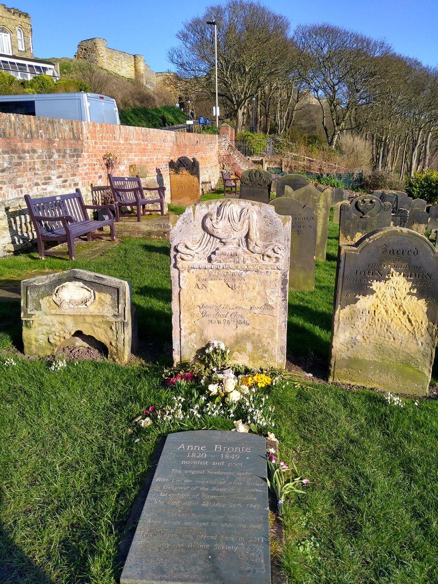 Flowers for Anne Brontë who died #OTD in 1849. Photos from my last trip to #Scarborough in February. #AnneBrontë #Brontë pic.twitter.com/ZekofjhtgO