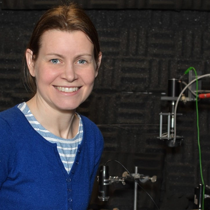 How do flies communicate? Find out about the fascinating work of @CamZoology researcher Dr Caroline Fabre in our latest post celebrating women in science and conservation. #WomenInSTEM #InternationalWomensDay2020 http://museumofzoologyblog.com/2020/05/28/true-flies-communicating-through-vibration…pic.twitter.com/uqlpgM65XA