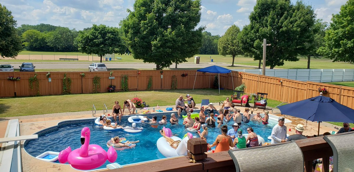 Here is the reason I stay in this house #poolparty #fixmyhouse #hgtv https://twitter.com/karenaaker/status/1265614846139269123…pic.twitter.com/yuVOluZ3Zr