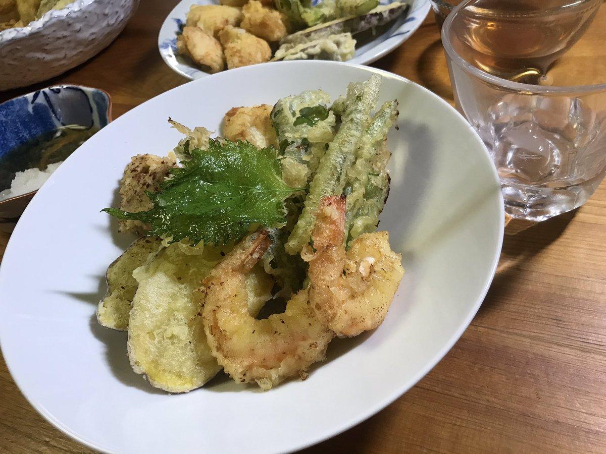 I'm home. Tempura! Dinner time! #japanesefood pic.twitter.com/uVP3Xfljbt