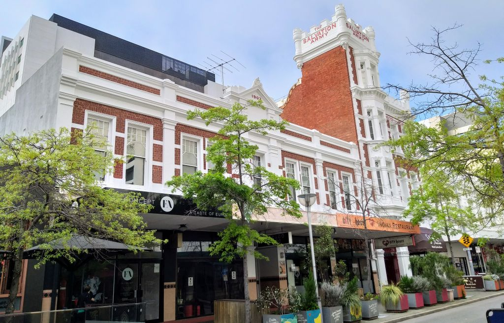 Early Twentieth Century building facades in #Perth City. pic.twitter.com/aKP9yQaosf