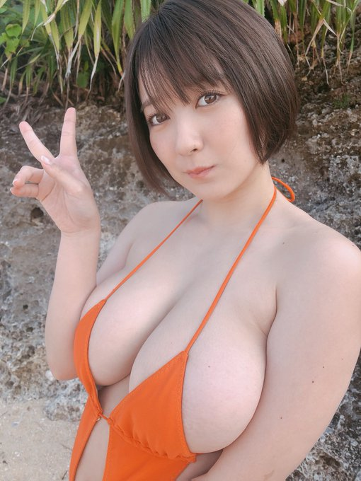 グラビアアイドル紺野栞のTwitter自撮りエロ画像13