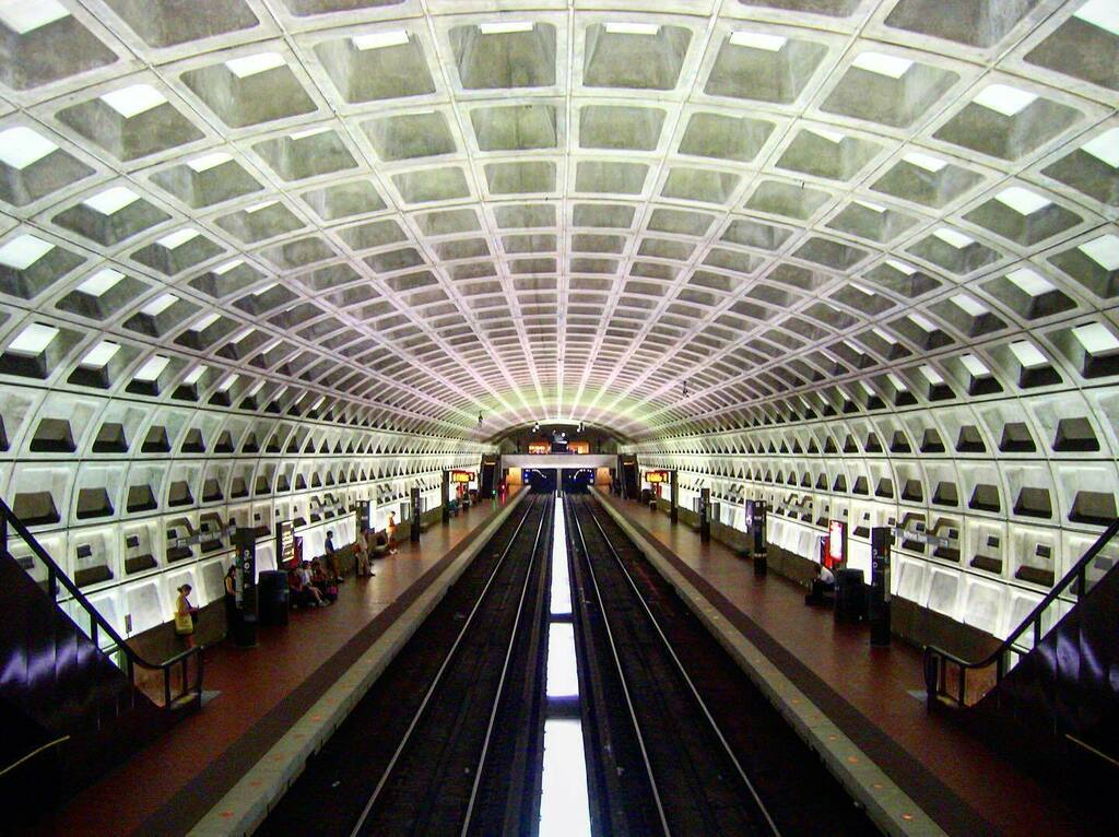 Washington DC Metro Station #washingtondc #washington #dc #districtofcolumbia #metro #metrostation #tunnel #trains #underground #subway #usa #unitedstates #concrete https://instagr.am/p/CAuf7dSHCkg/ pic.twitter.com/o1qszM381a
