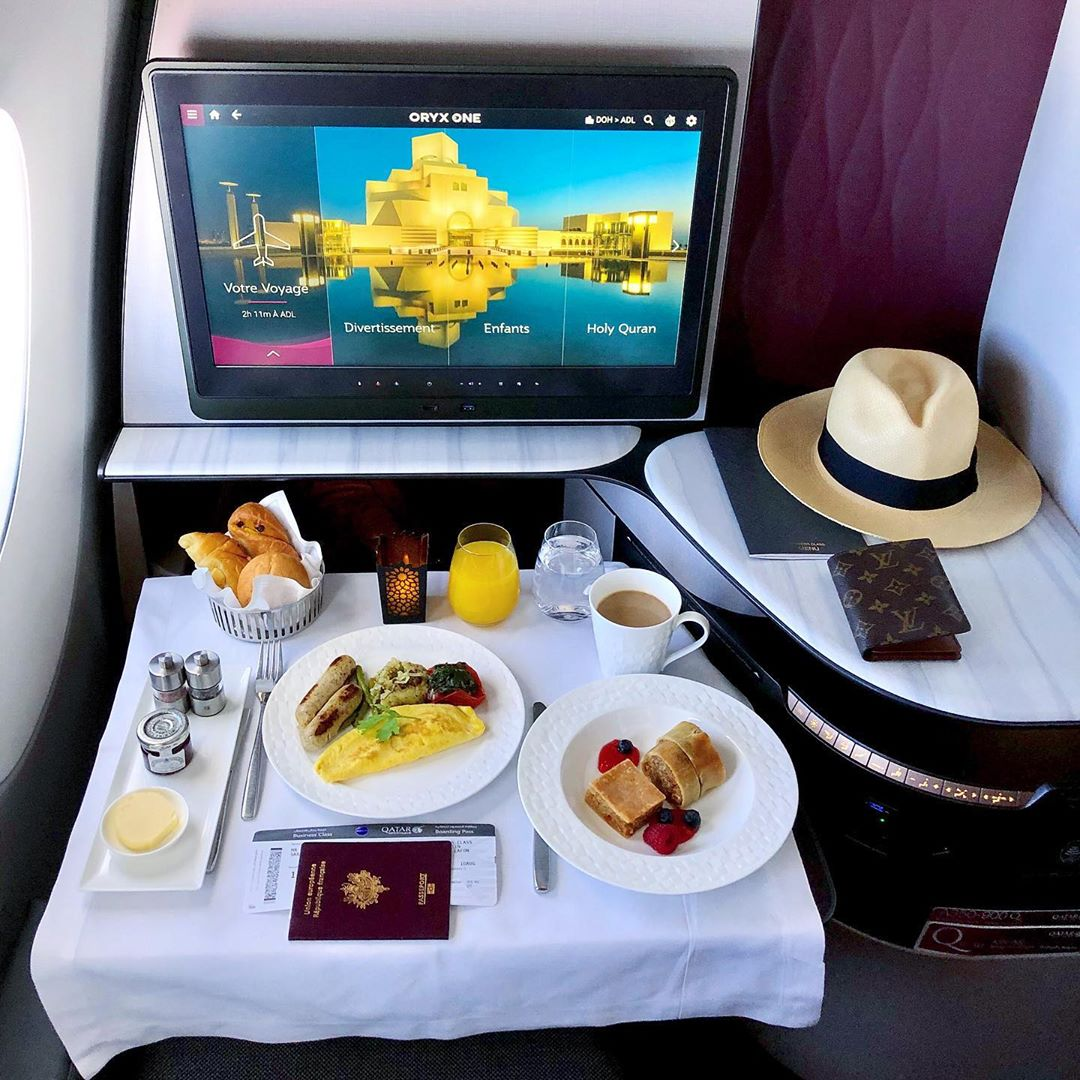 Share a photo of your favourite meal on board which you miss !  #Qsuite #QatarAirways : @QuentinLafonpic.twitter.com/n7IfRGmzQG