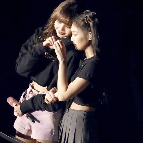 Lets fill this waiting with love, sugar and butterflies  #Jenlisa  @ygofficialblink<br>http://pic.twitter.com/GVrGdkqOBS