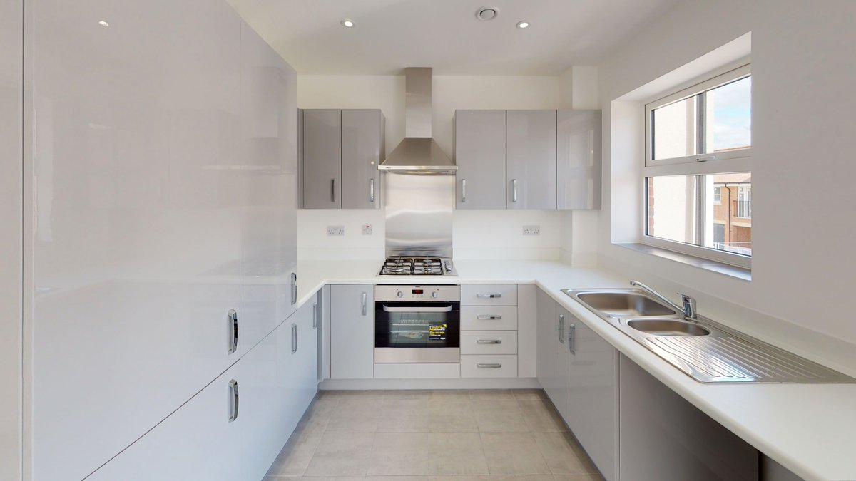 Applications remain open for a great selection of 1 & 2 bedroom apartments at Helios Park, Camberley, all with shared ownership with prices from just £80,000!   We are just in love with this kitchen, and we're sure that @mrshinchhome would be too! https://buff.ly/2THxOoppic.twitter.com/JlZ1Hmpw0z