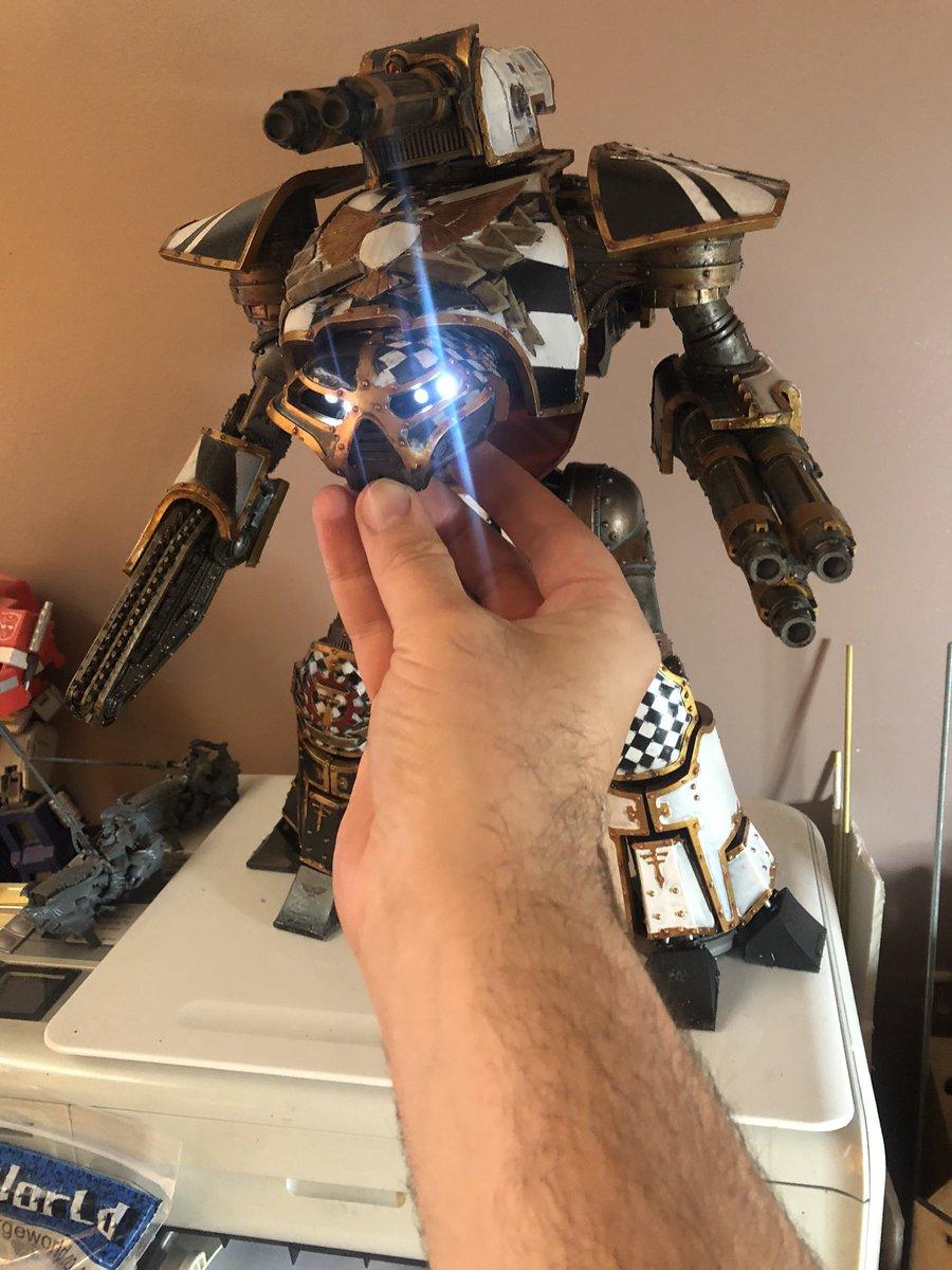 More progress on the next addition to Legio Crucius- the machine spirit lives! #legiocrucius #Warmongers #forgeworld #titan https://t.co/KgEawpmeeE