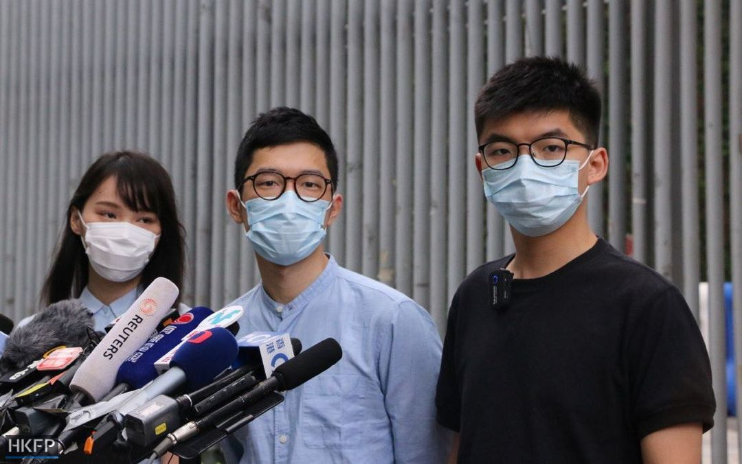 """@demosisto @joshuawongcf @nathanlawkc @chowtingagnes He urged the world to keep their eyes on #HongKong, adding that the US may freeze the city's status as a """"separate customs territory"""" https://t.co/OiUrs0rwjU"""