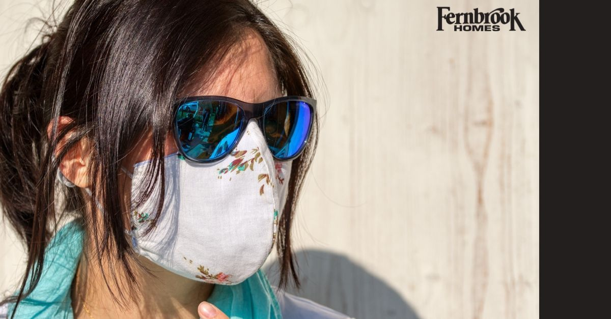 Making your own #FaceMask can be a fun and creative acitivity that provides you with #protection and #style! Here's a guide to making your own:  https://buff.ly/2JRRa4Lpic.twitter.com/c1VSihXb7K