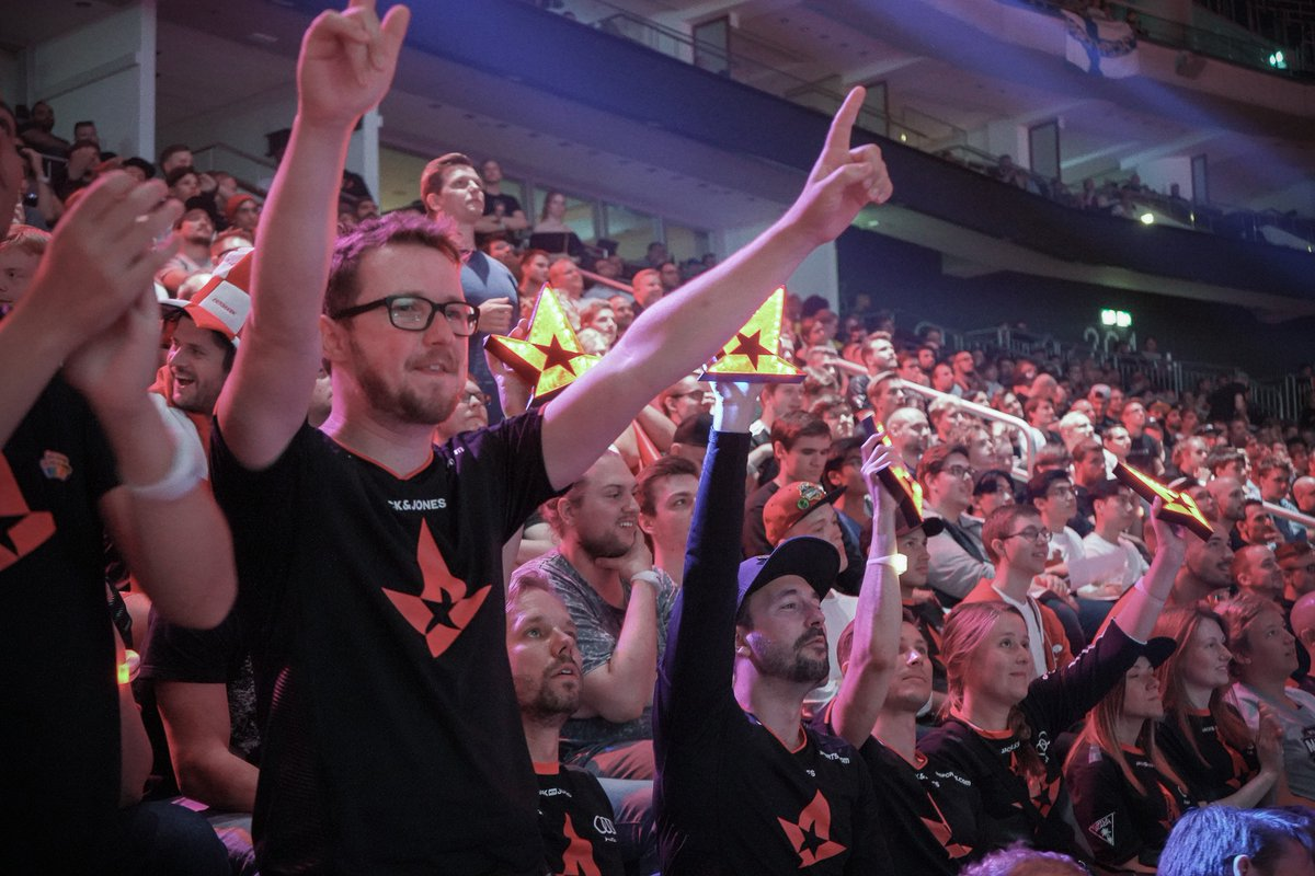 Calling all Astralis fans 🗣  On @playGLHFgg you can battle versus other esports fans, and we want to be the best! Fight for the red star: https://t.co/17aAN7nOXj   #LetsGoAstralis https://t.co/iwRgytmPWm
