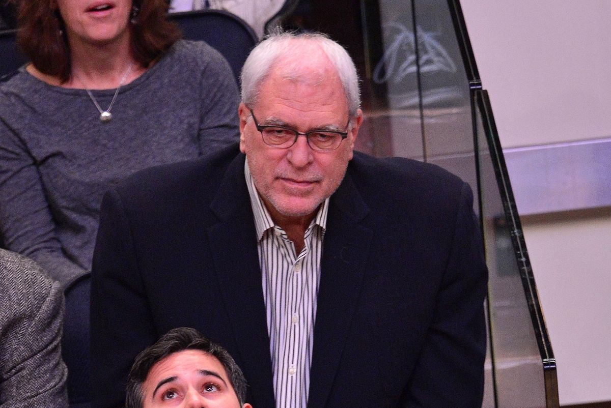 Phil Jackson Returning To Knicks? Offshore Posts 150-1 Odds On It dlvr.it/RXWQzG