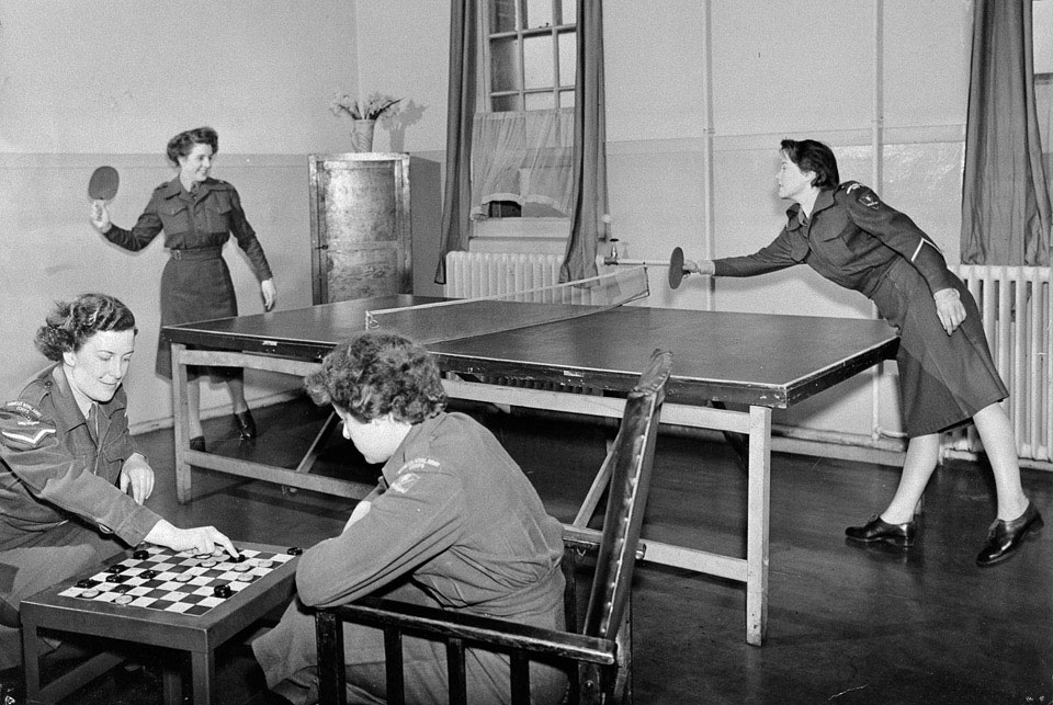 This weeks #HistoryBeginsAtHome theme is #hobbies! We have some great images in @NAM_London collection showing the important role #sport plays in Army life. Do you have any memories of the role sport played whilst serving in @BritishArmy? #HBAHHobbies 🚴⚽️🏓