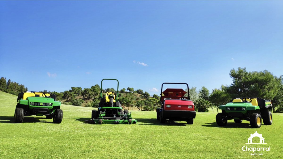 New investments in Chaparral Golf Club! Working hard day by day. Thank you so much to @JohnDeere and @TheToroCompany #Chaparralisback #ChaparralGolfClub #summer #summertime #FelizJueves #GolfLife #Golfer #GolfSwing #SimplyChaparral #PlayGolfMálaga #Spain #Marbella #Malagapic.twitter.com/4GhYYIanfJ