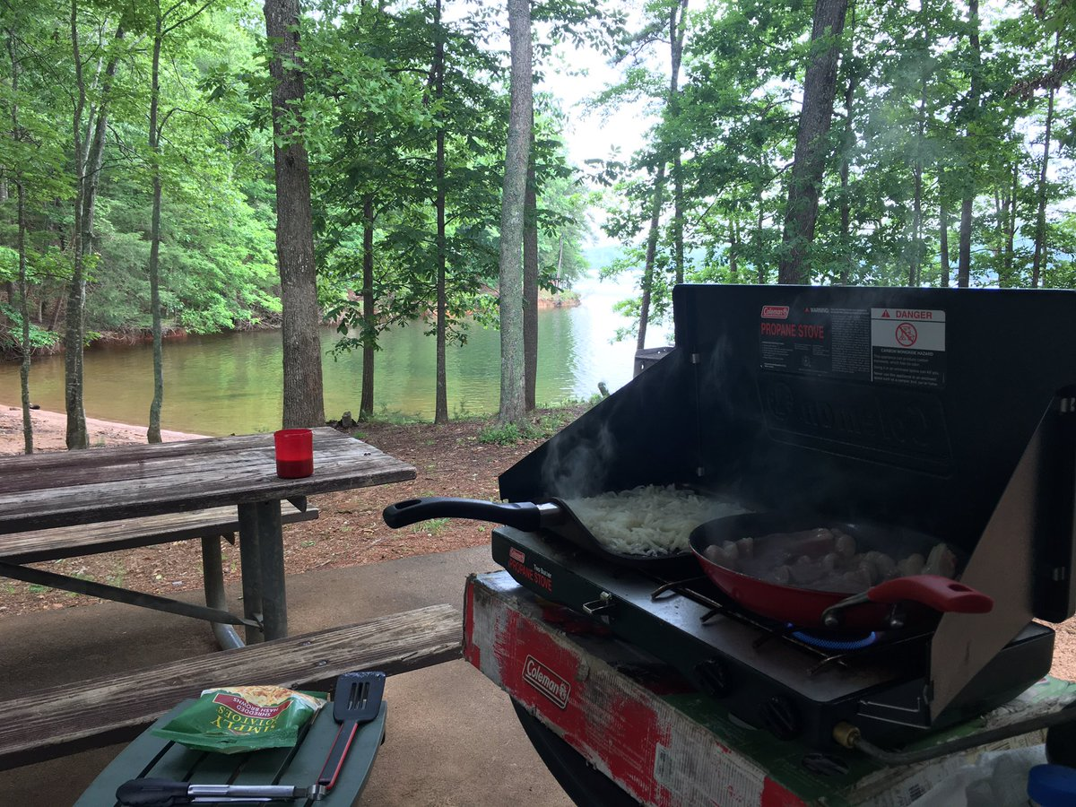 Breakfast just tastes better when it's cooked outdoors. <br>http://pic.twitter.com/58MJSC0ZUt