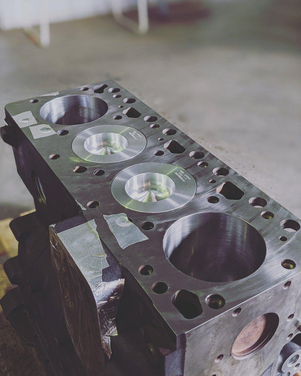 There's nothing like a fully cleaned up block with brand new pistons! #enginerebuild #engineheadrepairs #enginerepairs #willbereadytorun #piston #engine #agriculture #cummins #cumminsengine #cumminspowerpic.twitter.com/Vw0bSIf0vk