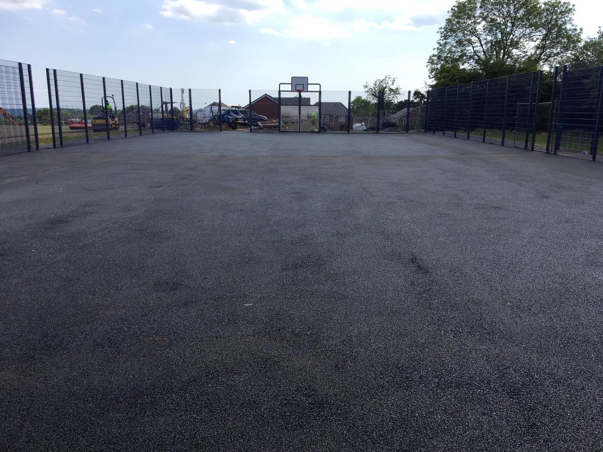 Topping being laid on a MUGA pitch this week..   #teaminscapes #teamworkmakesthedreamwork <br>http://pic.twitter.com/gp5P56IrtG
