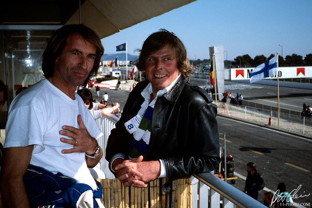 Johnny Servoz-Gavin 🇫🇷 and Jacques Laffite (Williams) at Paul Ricard. #F1 1983 #FrenchGP (Photo: Paul-Henri Cahier @F1Photo)