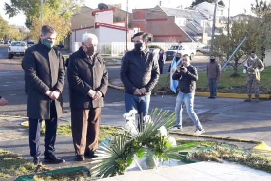 Emotivo acto aniversario por la muerte de José Honorio Ortega  #SantaCruz #RíoGallegos #Acto #Aniversario https://t.co/D5Il1zyt4R https://t.co/D7eyoZyVYl