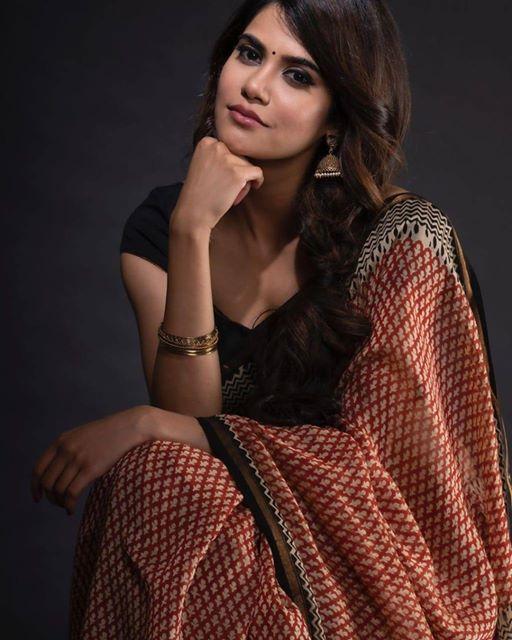 आदिती पोहनकर  . . . . #AditiPohankar #marathistars #marathi #marathistars #actress #marathiactress #marathi #beautiful #gorgeous #cute #marathiabhinetri #maharashtra_ig #marathi_ig #marathimulgi #marathigirls #marathistarspic.twitter.com/Yg180CXCyZ