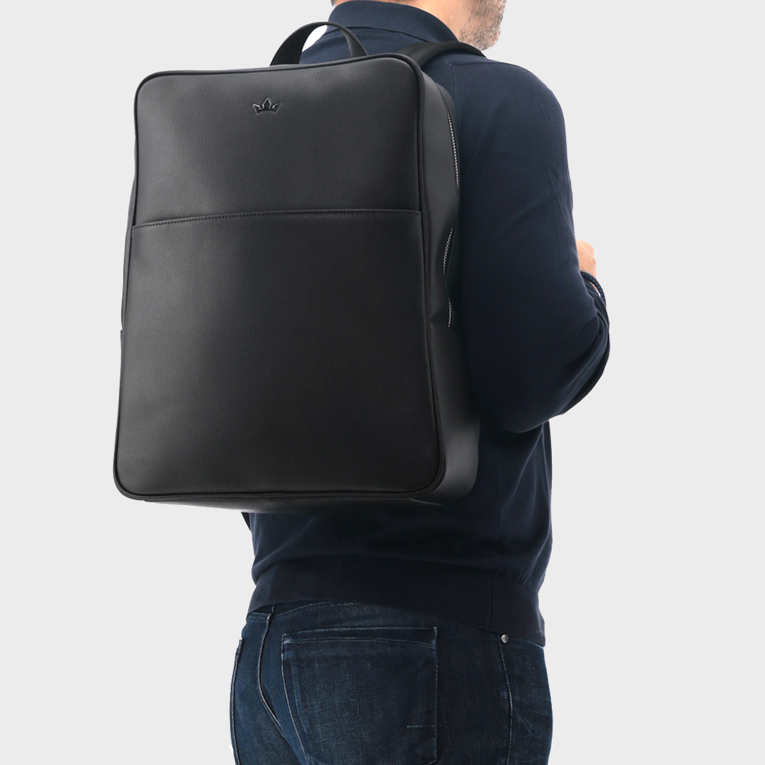 Thoughtfully designed backpack for daily commutes or weekend getaways. Hand crafted from soft grained Italian leather with Roderer signature steel crown motif at the front.  #roderer #rodererworld #premium #handmade #italianleather #leathergoods #leatherbag #mensbag #messengerbagpic.twitter.com/9POaGWEnei