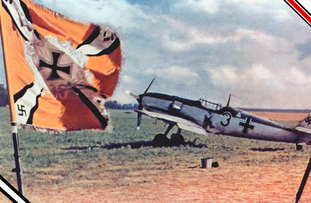 """Bf 109 E """"Black 3"""" of 2./JG 2 photographed during the campaign in the West. The personal insignia on the cockpit is unidentified.  #WW2 #History pic.twitter.com/qINpuFhDVa"""