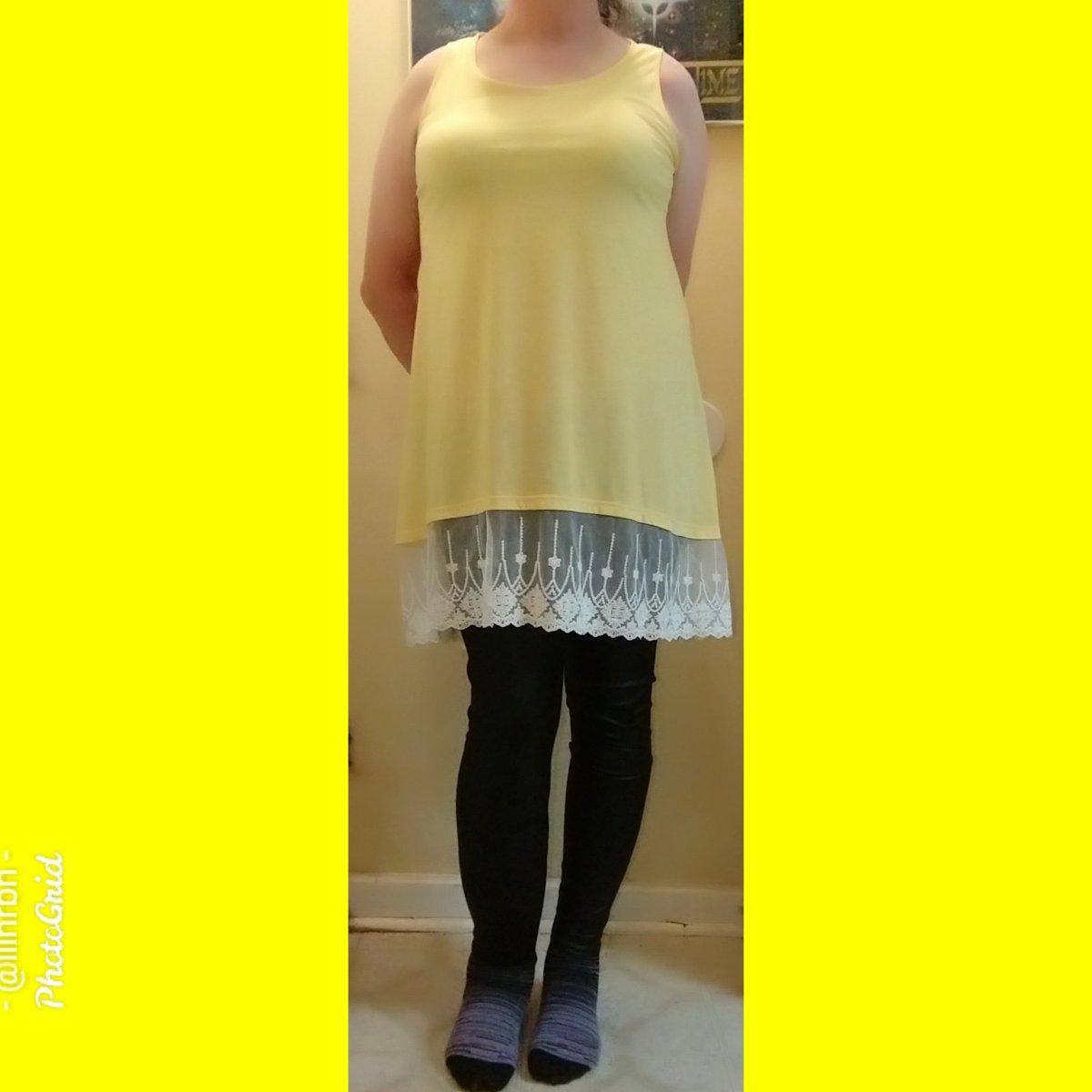 I inadvertently wore the same dress this week as I wore last Thursday.  #leggings #lillianslegs #leggingsqueen  #legsinleggings #queenofleggings #thequeenofleggings #blackleggings #legfashion #legslegslegs  #outfitoftheday #ootd #ootdfashion #ootdwomen #whatiworetodaypic.twitter.com/f946diUWjy