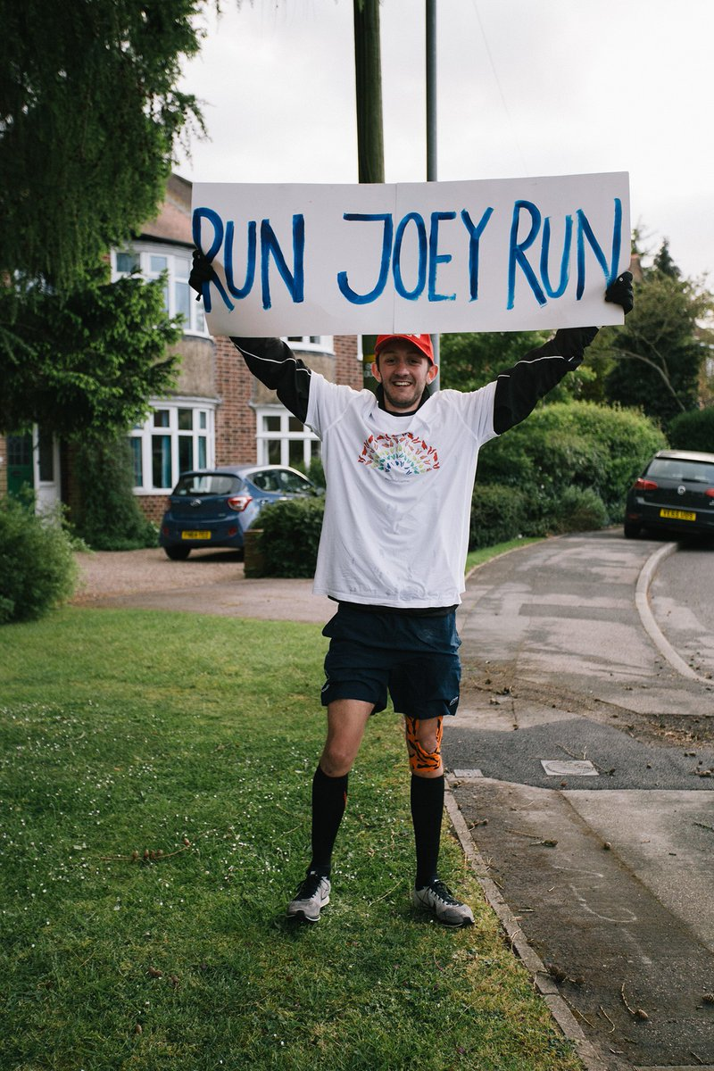 Fantastic to hear about this #inspirational achievement by @UniofExeter student, @JoeyHigham, who has raised £10,000 for those affected by #mentalhealth issues during the #coronavirus pandemic by running 131 miles (5 marathons) in just 5 days👏@MindCharity https://t.co/ihBtXaJhH6 https://t.co/e0qMlz1TDC