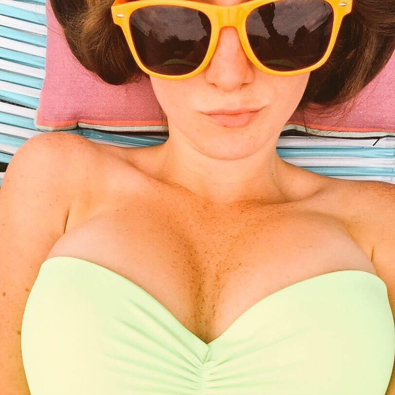 I miss being able to lay out all afternoon and work on my freckles.  #throwback #titties #freckles pic.twitter.com/vrl7AxfeUi
