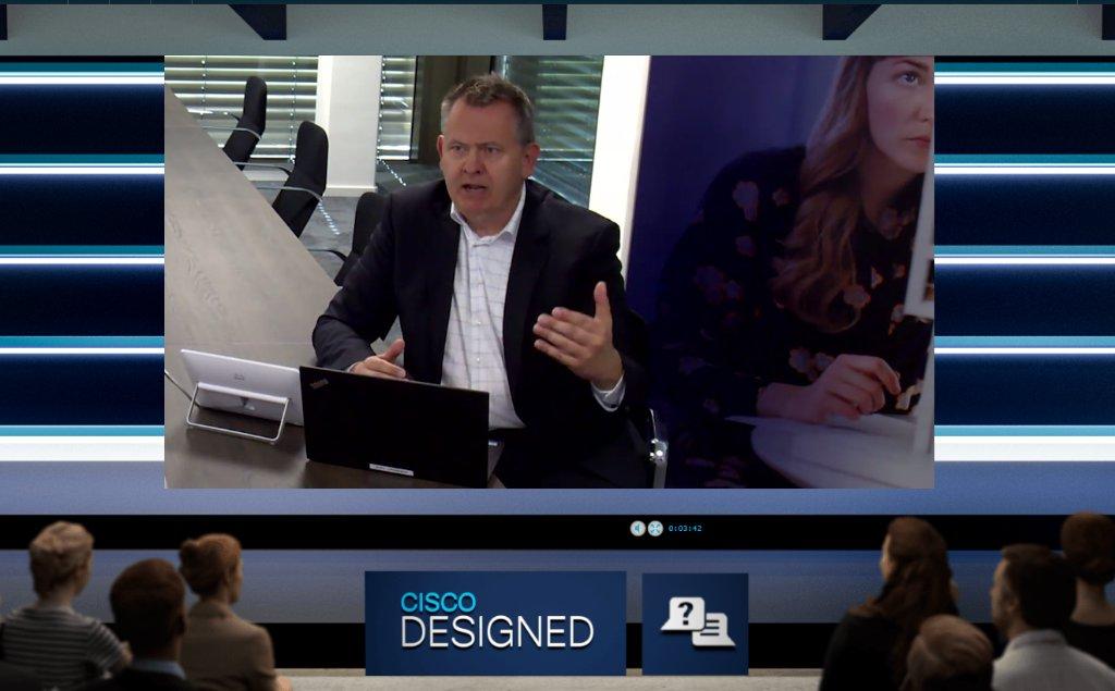 Nicola Knop moderierte die Podiumsdiskussion zwischen Managing Director @JensTamm von @Comstor_DE, Andreas Gruber, Sr. Mgr. Networking Advanced Solutions bei @IngramMicroDE und Jörg Richter, Director Cisco Business Unit bei @TechDataDE #SmallBusiness #CiscoPartner