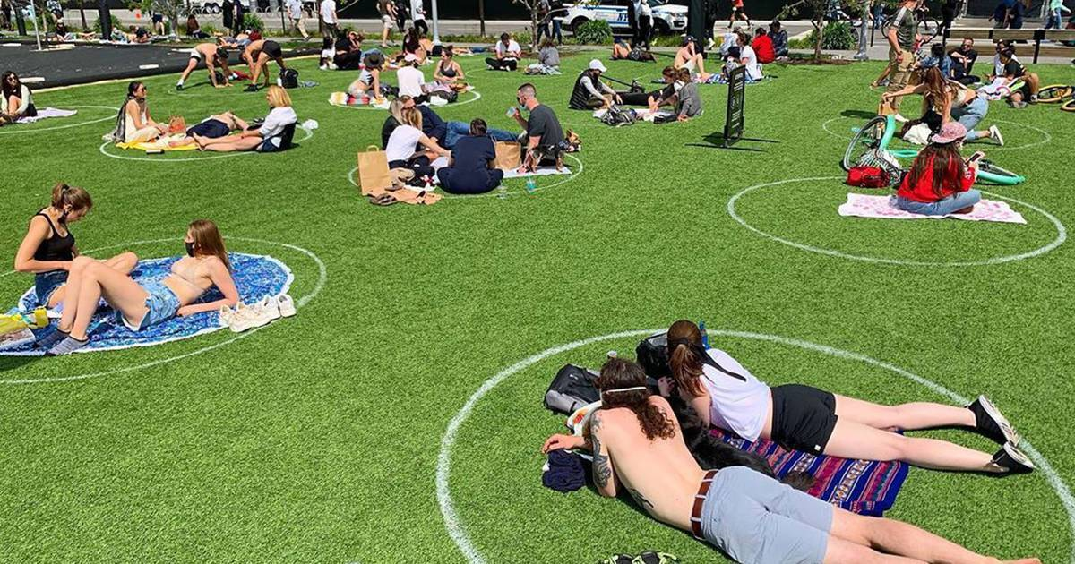 """Salut my friends YAY Canada  We are learning how to reopen our parks safely  We are painting circles in the grass 2 meters apart  OK everyone in Canada and around the world  """"step-up"""" and do the safe and right thing  Keep safe my friends <br>http://pic.twitter.com/EfyxRTFgnL"""