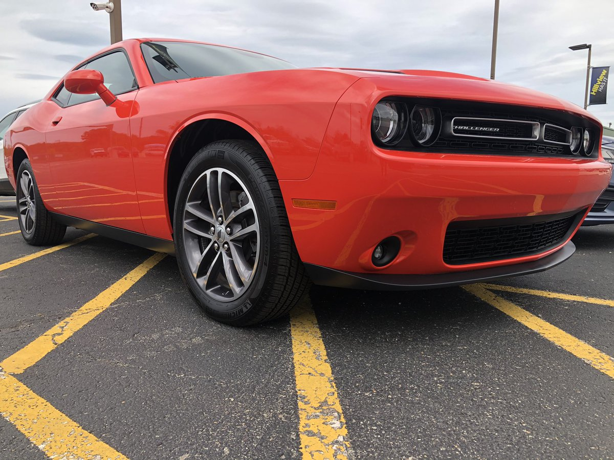 Just look into my eyes. That red #dodgechallenger is on fire. #carsofinstagram #hillviewhasitpic.twitter.com/RV81XceyNm